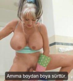 Yaşlı Üvey Anne Banyoda Üvey Oğlu ile sikişiyor türkçe Altyazılı Porno