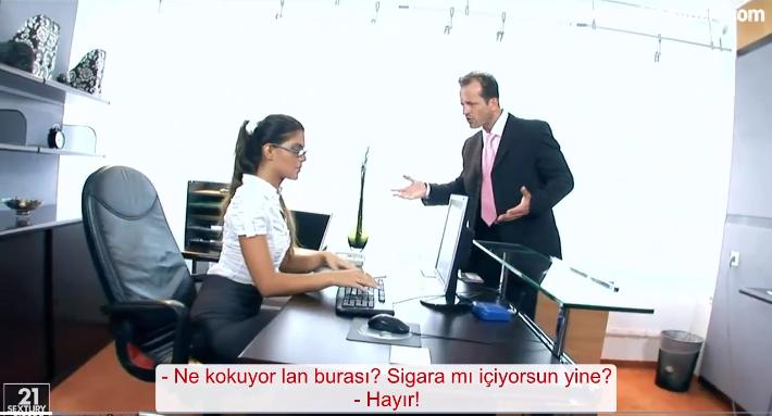 Ofiste Amını parmaklayan Sekreter Patrona yakalanınca sulanmış amını siktrdi