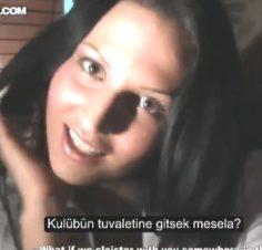 Rus kadın kocasını hiç tanımadığı erkekle sikişerek Aldatıyor