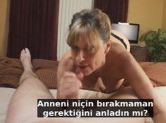 Oğlundan Ayrılmamak için Oğluna Siktiren Yaşlı Anne Porno Altyazılı