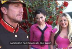 Zengin hatun otel görevilsine zorla kendini siktiri – Türkçe altyazılı porno