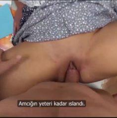 Zayıf Dersleriden Sikişerek Geçen kız Türkçe Altyazılı porno