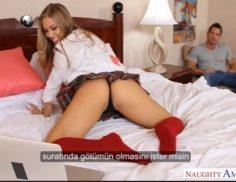 Webcamda sex show yapan üvey kızını sikiyor – Altyazılı porno
