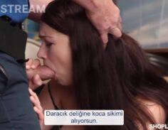 Seksi Esmer Hırsız Kadını Yakalayınca Sikiyor